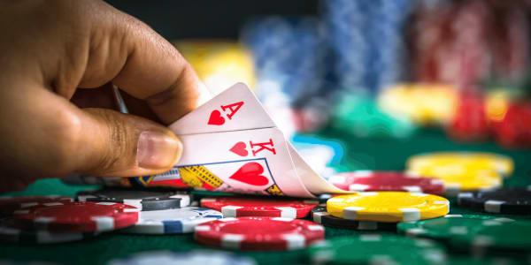 专业人士使用的扑克中的杀手级组合